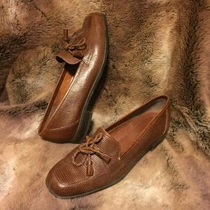 Naturalizer Genuine Leather Loafers